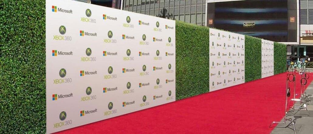 green wall banner